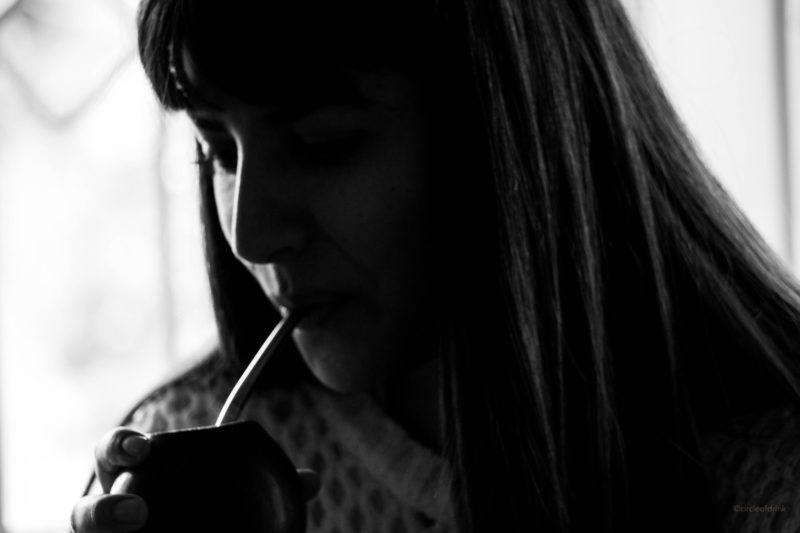 Argentine girl sipping yerba mate in Tandil, Argentina - photo by ©circleofdrink